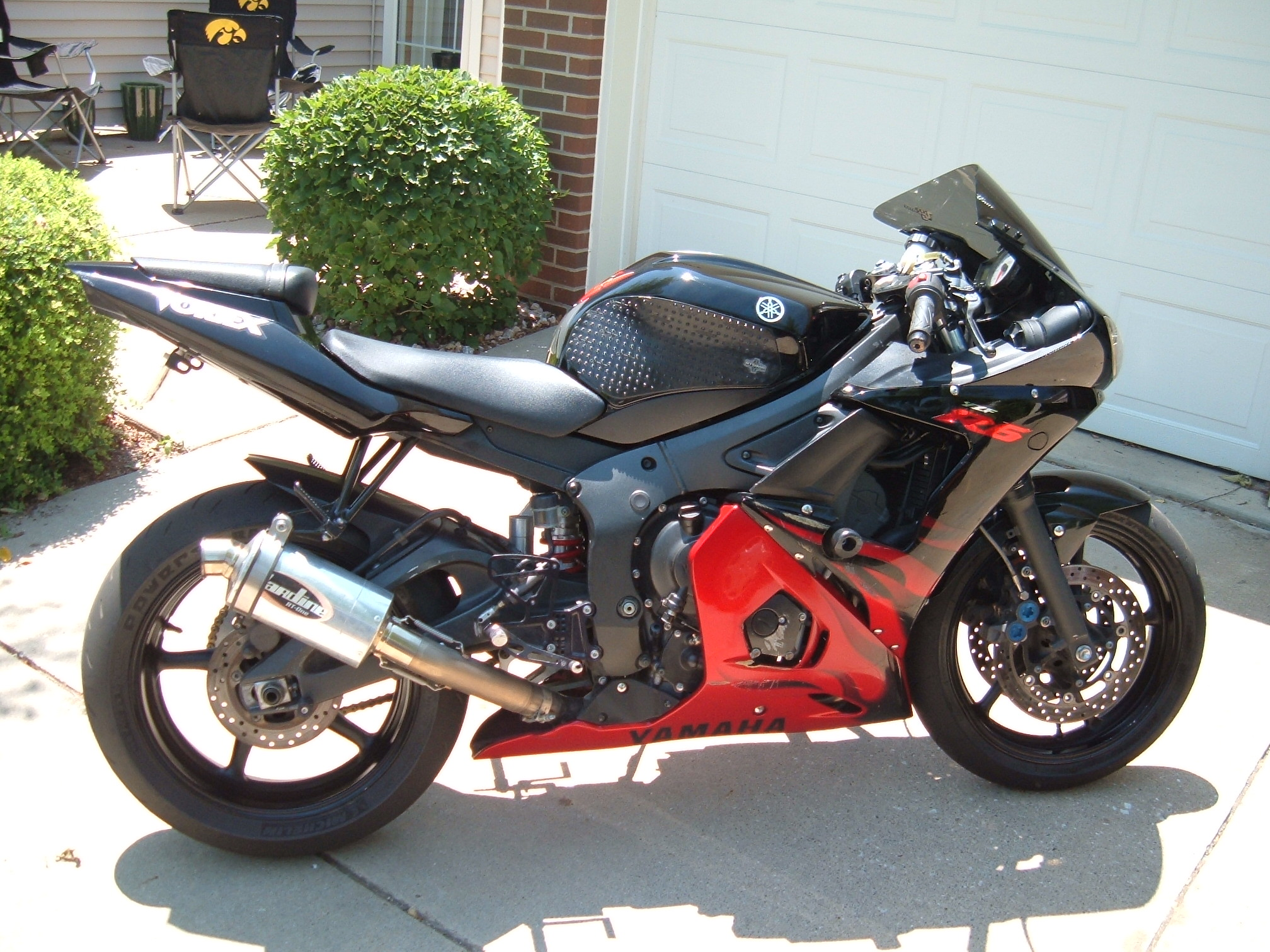 2003 Yamaha R6 Limited Edition Black Red Flames 4500 Des Moines