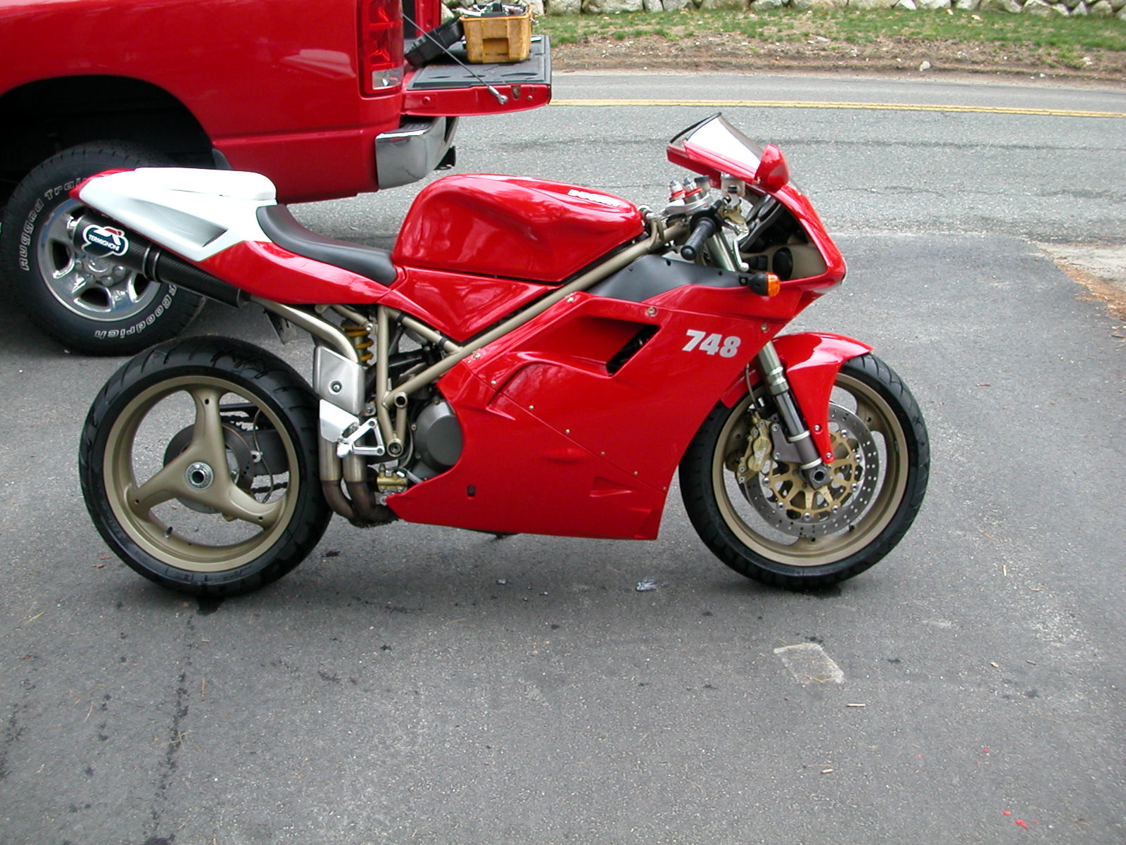 1999 ducati 748s forum the home for ducati owners and enthusiasts. Black Bedroom Furniture Sets. Home Design Ideas