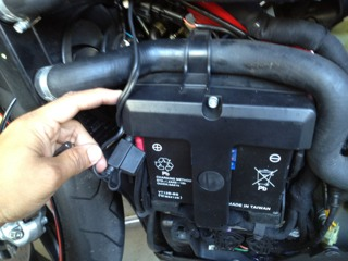 what is this hooked to my battery? - ducati forum   the home