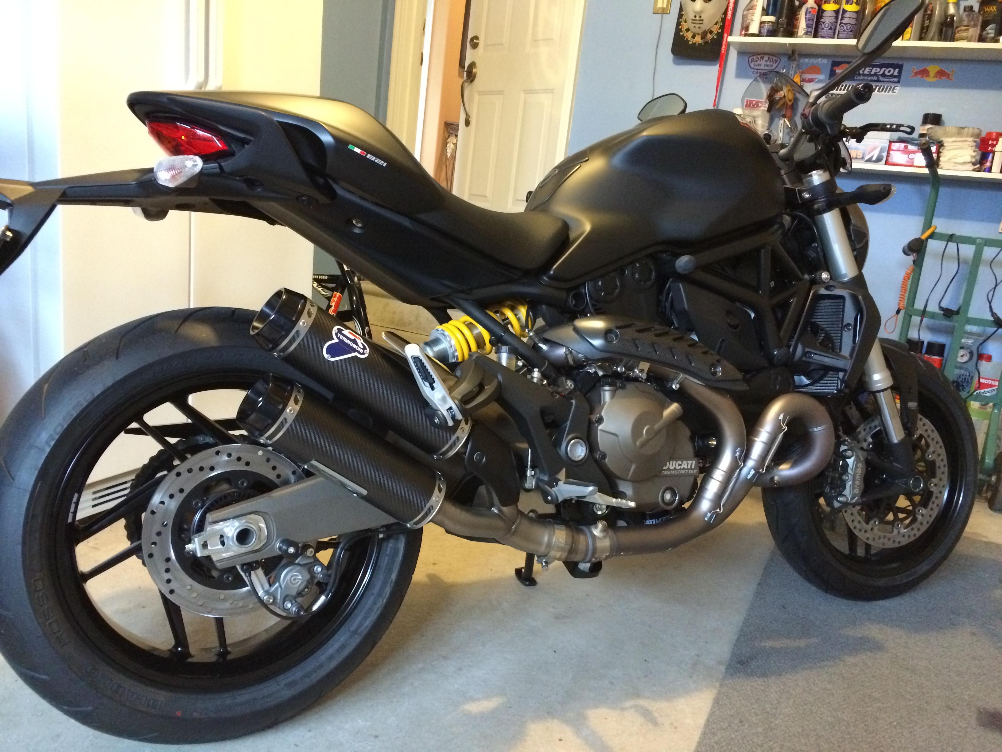 Bobby 2015 Ducati 821 Monster Dark