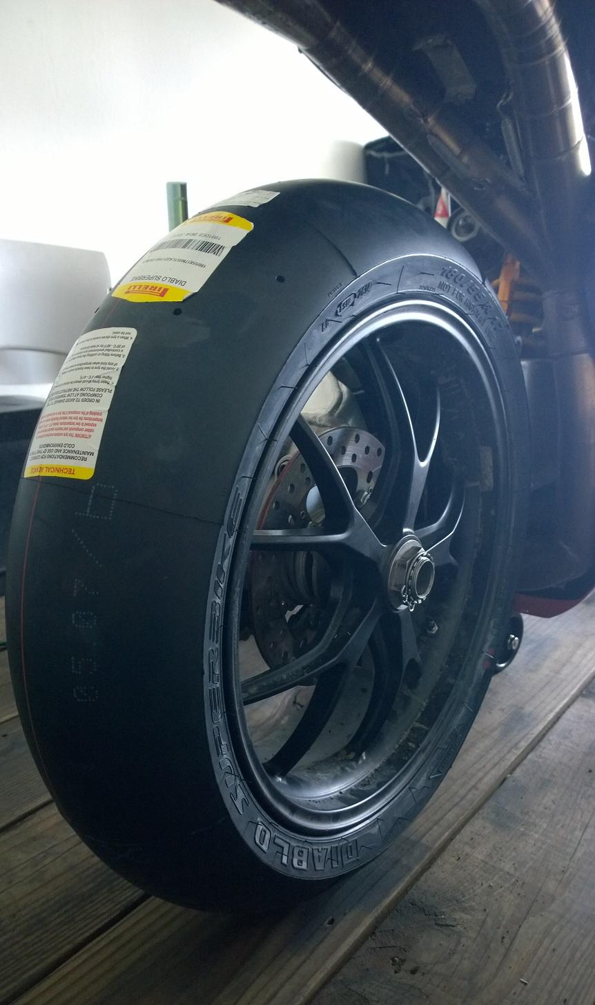 Is This Normal Pirelli Diablo Superbike Tire Wear Ducati Org Forum