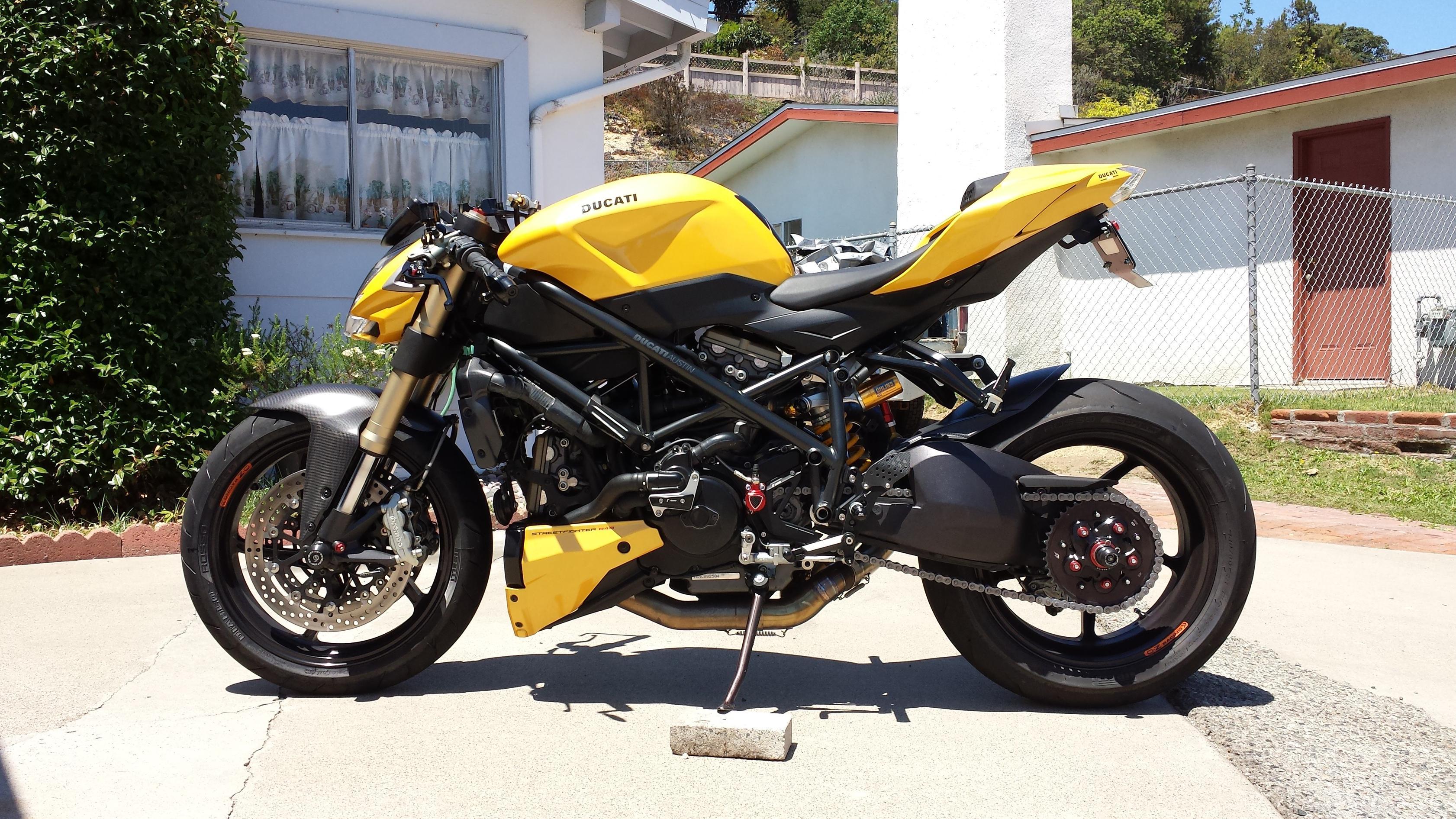 Ducati Monster Vs Streetfighter